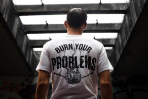 T-shirt - Customize your top 10 wardrobes essential - for men